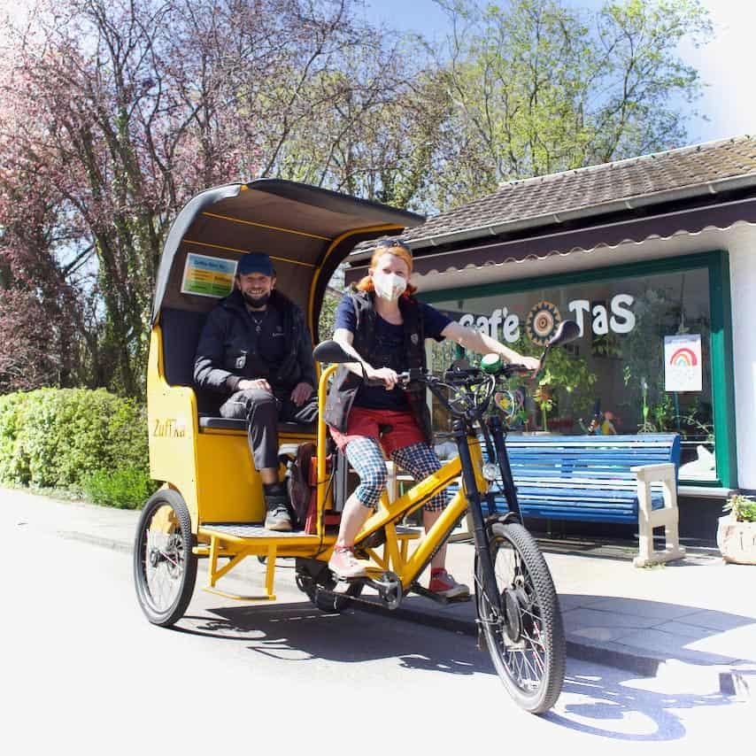 Caro and the Zuffka rikshaw